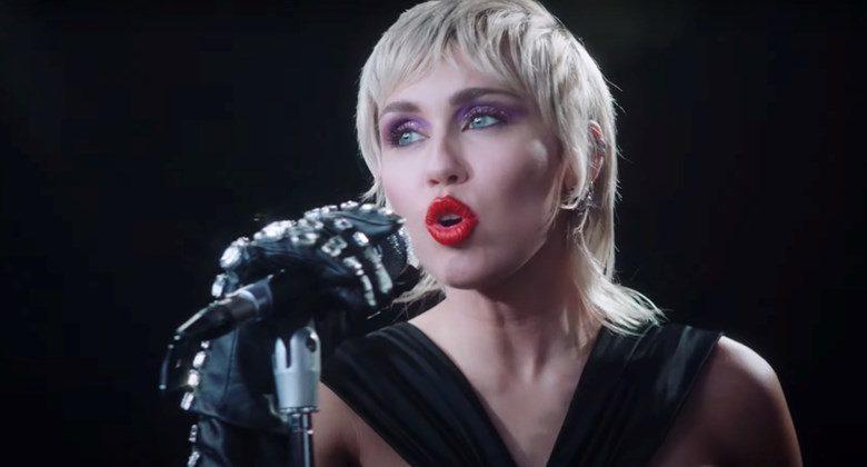 "Miley Cyrus: ""Midnight Sky"" makes its move on U.K. Singles Chart"