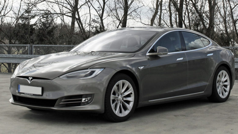 Tesla Model S model with with refreshing design spotted in the wild