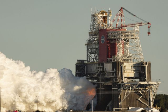 After the unexpected shutdown, NASA conducted the second 'Hotfire' test of Megarocket